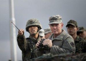 Soldados americanos junto a soldados surcoreanos